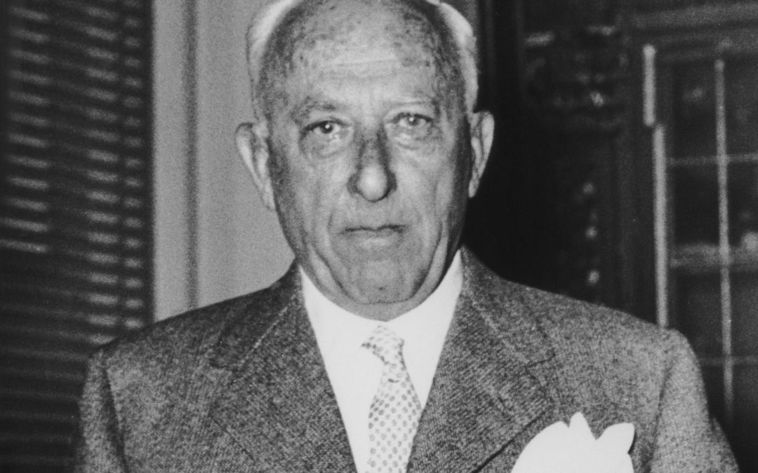 Businessman Achille Lauro (1887 - 1982), Chairman of Flotta Lauro Lines and Mayor of Naples, at his home in Naples, circa 1960. (Photo by Keystone/Hulton Archive/Getty Images)