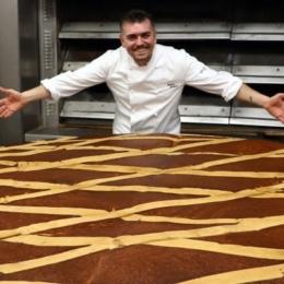 A Napoli la pastiera più grande del mondo: due metri di diametro