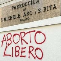 SCRITTA PRO ABORTO SULLA CHIESA… LA RISPOSTA DEL PARROCO don Andrea Bellò