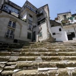 L'arena dei Napoletani e degli Imperatori: il teatro romano di Neapolis