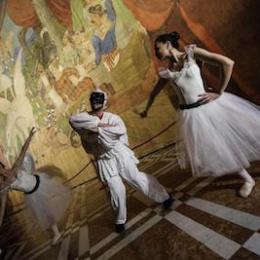 La mostra di Capodimonte/Napoli in una fiaba raccontata tra porcellana e musica. Una metafora della vita
