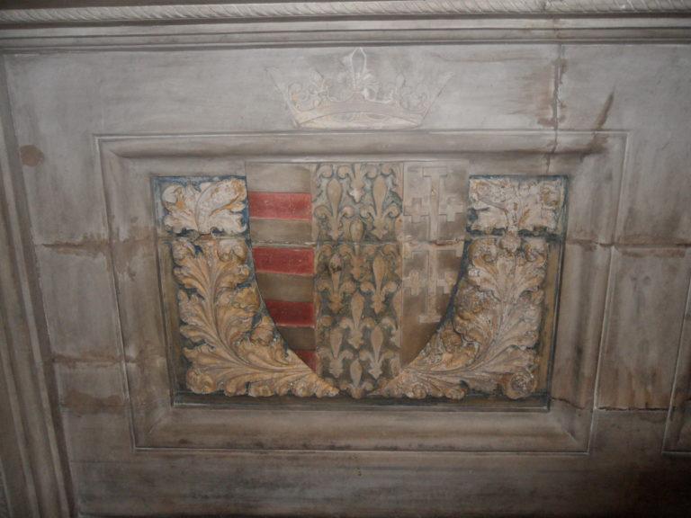 Lo stemma di Federico II con la Croce di Gerusalemme come ricostruito in Scipione Mazzella, Descrittione del regno di Napoli, Napoli, 1601