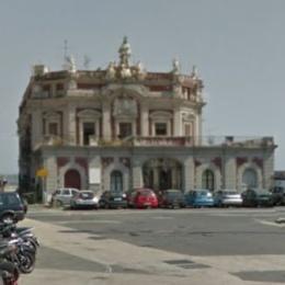 Palazzo dell'Immacolatella a Napoli: un gioiello barocco voluto da re Carlo di Borbone
