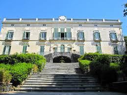 Villa Floridiana, il museo Duca di Martina non ha più nemmeno il custode per aprire e chiudere i cancelli ai visitatori. Unica risorsa, i volontari