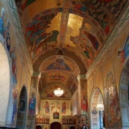 In Calabria una Chiesa dichiarata Monumento Nazionale. Rivestita da mosaici in oro.