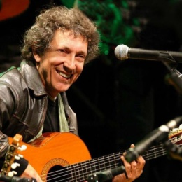 Eugenio Bennato dirige un grande concerto in Piazza Plebiscito per i 20 anni di Taranta Power