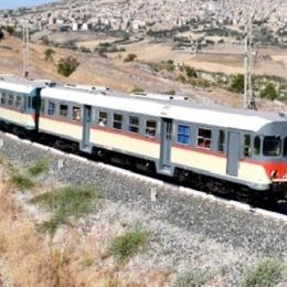 Trapani-Siracusa in 11 ore (e tre cambi): la folle situazione delle ferrovie al Sud