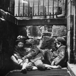 Bambini vetrai: una drammatica pagina dell'immigrazione italiana in Francia