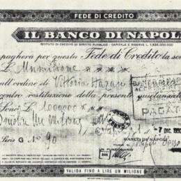 """""""Chiacchiere e tabacchere e' lignamm  o' Banco 'e Napule nun ne 'mpegna!"""""""