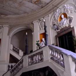 Conosci la storia del fantasma di palazzo Spinelli ai tribunali a Napoli?