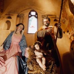 La Natività più grande del mondo è esposta nel Duomo di Napoli, l'hanno realizzata gli artigiani Cantone & Costabile