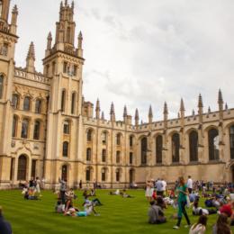 Via Omero e Virgilio, Oxford si unisce al suicidio culturale