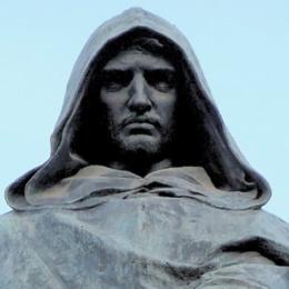 Del cappuccio di Giordano Bruno s'è cinta la testa